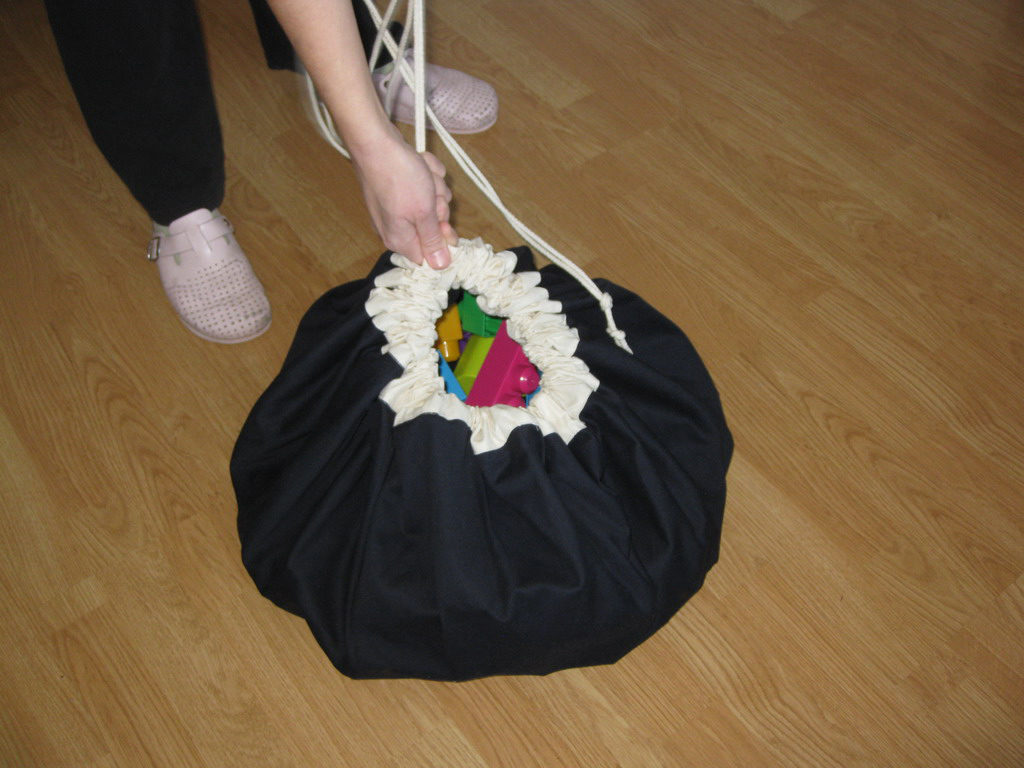 03-Povlacenje kanapa do kraja i sakupljanje vrece za igacke