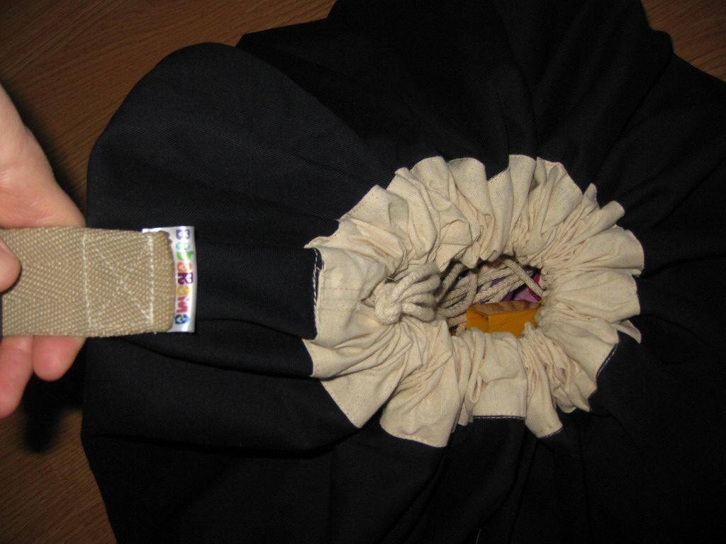 08-Visak kanapa ubacen u vrecu za igracke
