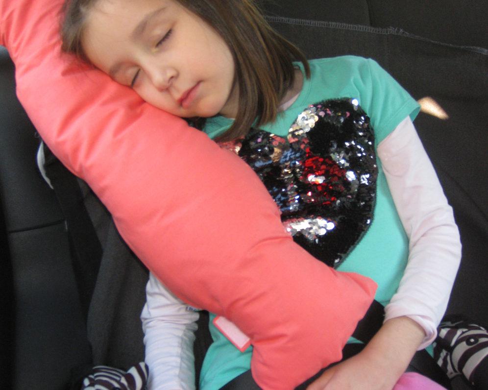 Spavanje u kolima na Bebarama jastuku za putovanja