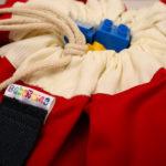 Crvena Bebarama vreca za Lego kocke i igracke - krupni plan