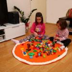 Deca se igraju u Bebarama vreci za Lego kocke i igracke